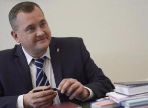 Свой День рождения отмечает первый вице-губернатор области Олег Иванов