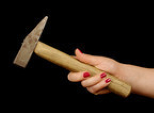 Хардкор в Пичаево: женщина убила мужчину молотком за то, что он не похоронил умершую подругу