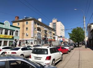На Носовской решили запретить парковку машин