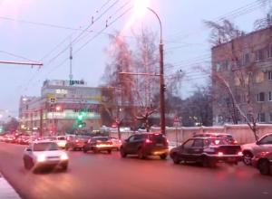 Север Тамбова встал: на бульваре Энтузиастов огромная пробка