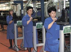 Рассказовской  фабрике требуются двести швей и сапожников для выполнения заказа Росгвардии