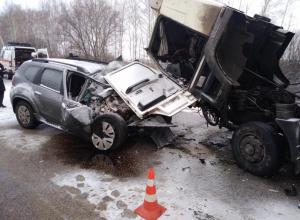 В искореженной грузовиком иномарке под Тамбовом погиб водитель