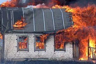 В Петровском районе сгорел дом