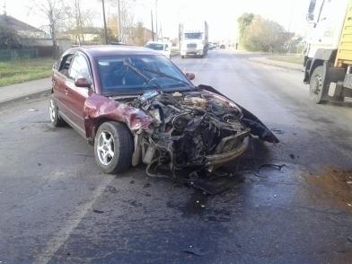 В аварии с выездом на встречку в Мичуринском районе пострадали три человека