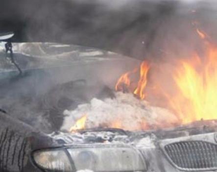 Ford Transit с водителем внутри сгорел на трассе у села Беломестная Криуша через 4 часа после покупки