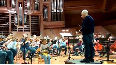 Тамбовчанка Настя Тюрина покорила маэстро Спивакова и музыкантов его оркестра