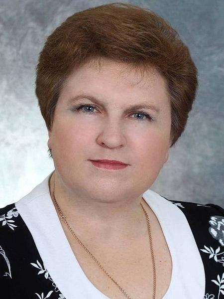 Сегодня день рождения отмечает Нина Владимировна Косачева, депутат Тамбовской областной Думы, руководитель народного ансамбля «Вольницы»