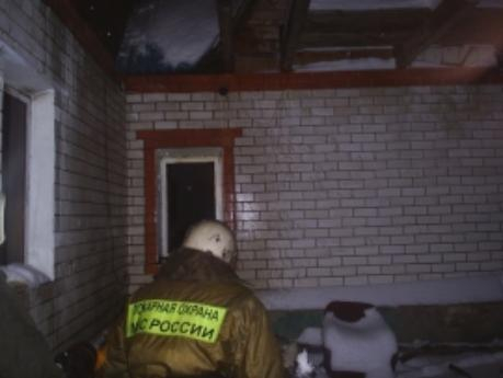 Мужчина сгорел на собственном диване в квартире на Николая Вирты