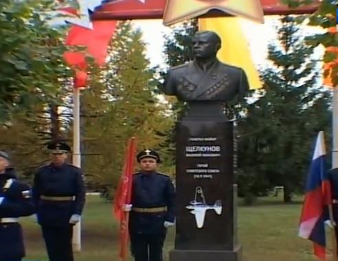 Аллея героев открыта в тамбовском Парке Победы