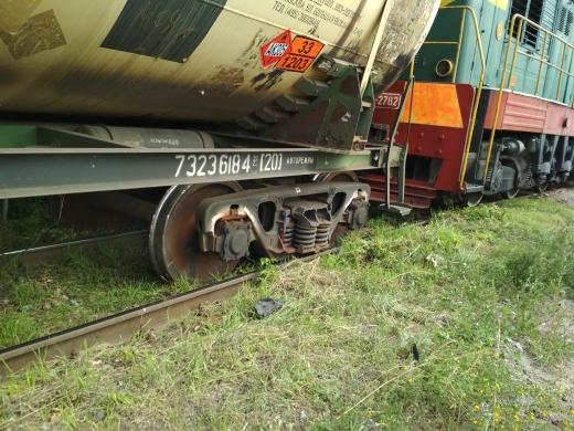 В Пехотке поезд сошёл с рельсов
