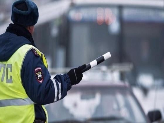 В Кирсанове полицейского протащил за машиной нетрезвый водитель