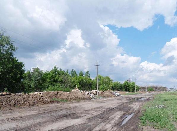 Микрорайон Громушка в Мичуринске зарастает строительным мусором
