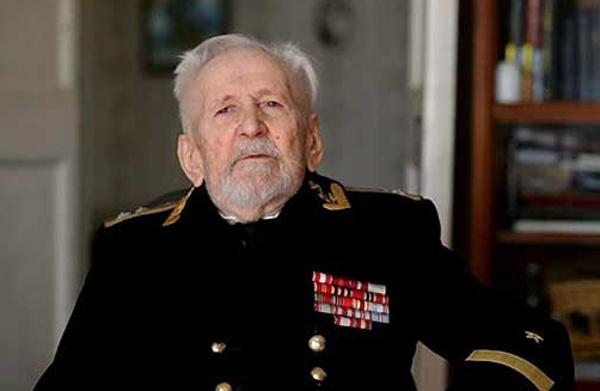 104 года исполнилось сегодня старейшему подводнику России