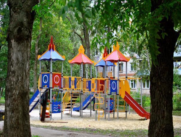 В Тамбове появились современные детские площадки с тренажерами