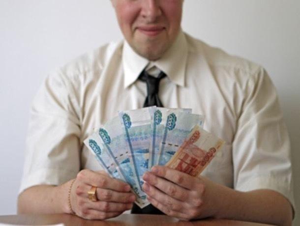 «Там нет ни одного альтруиста», - тамбовчане о повышении зарплат чиновников