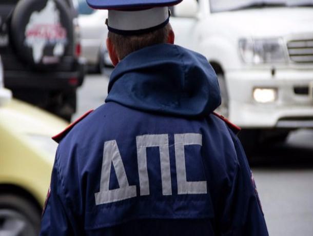 В Первомайском районе водитель скутера пойдет под суд за то, что бил и кусал сотрудников ДПС