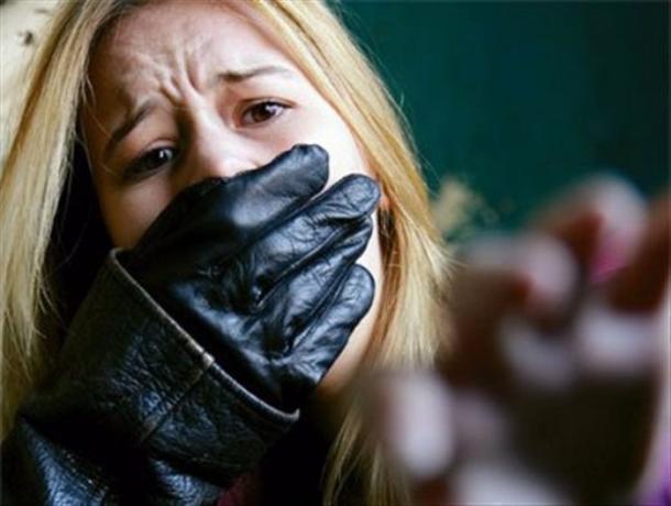 Кавказец похитил свою бывшую девушку и насильно удерживал ее в заброшенном доме