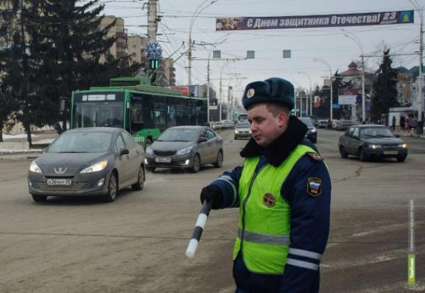 Водитель иномарки пожертвовал автомобилем, чтобы не сбить пешехода на окружной дороге Тамбова