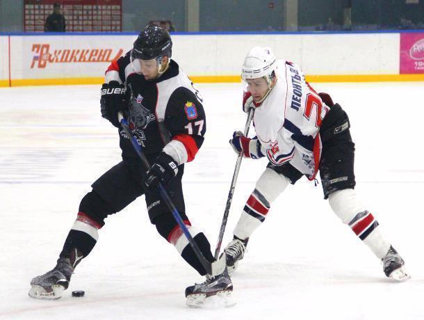 Хоккеисты «Тамбова» дважды разгромили команду из Саратова