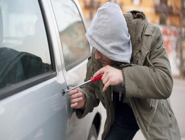 В Кочетовке задержан 27-летний любитель покататься на чужих машинах