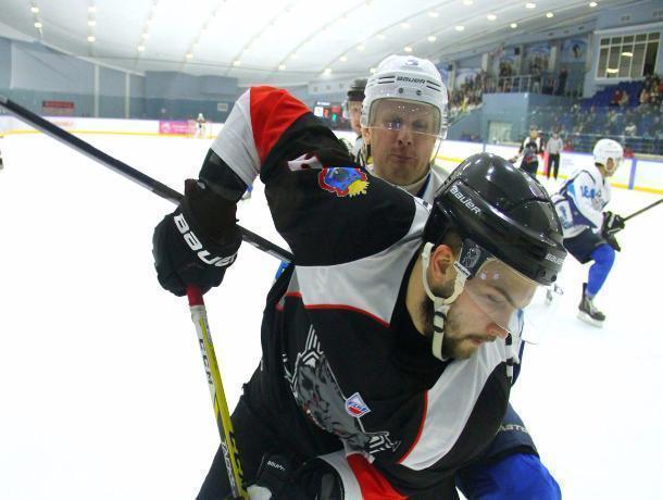 Тамбовские хоккеисты одержали две домашние победы подряд