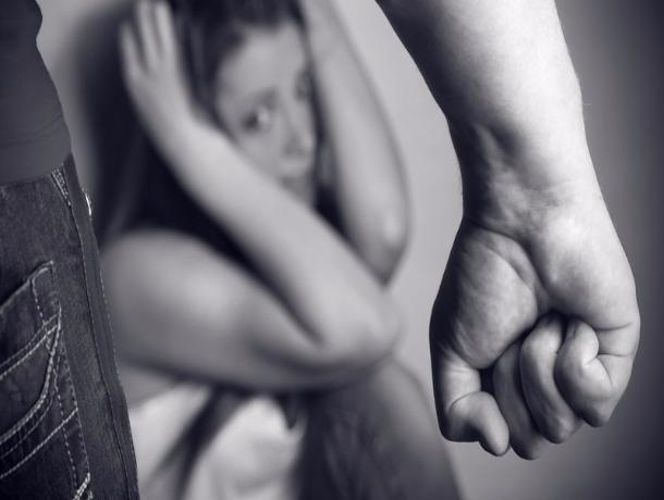 Двоих жителей Тамбовского района судят за изнасилование случайной знакомой