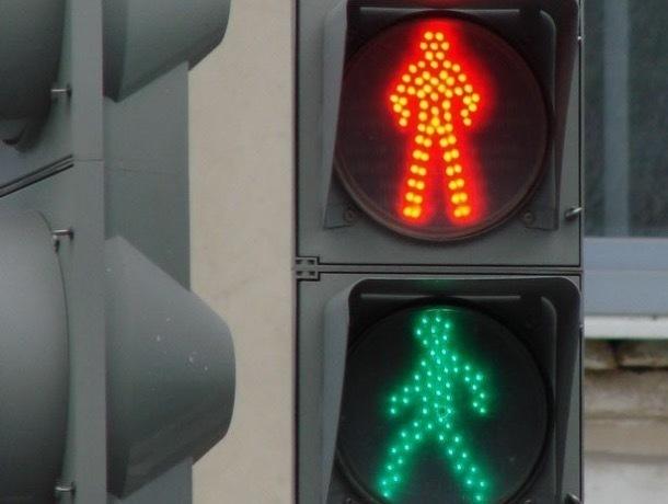 После жалоб горожан в Мичуринске установят светофор на площади Славы