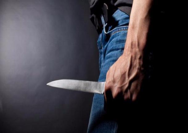 Во дворе котовской пятиэтажки найдено тело мужчины с множественными ножевыми ранениями
