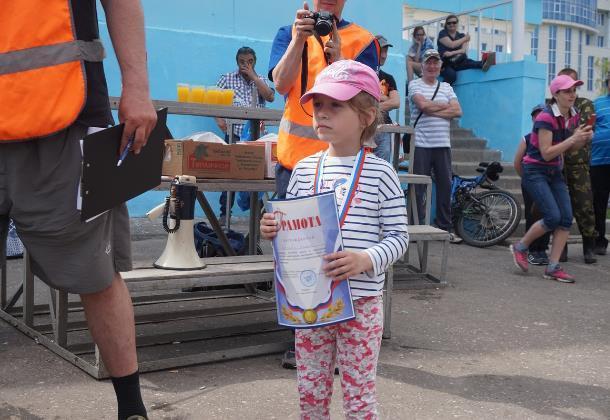Недетский улов. Четырехлетняя малышка поймала 680 грамм рыбы на «Детском рыболовном фестивале» в Тамбове