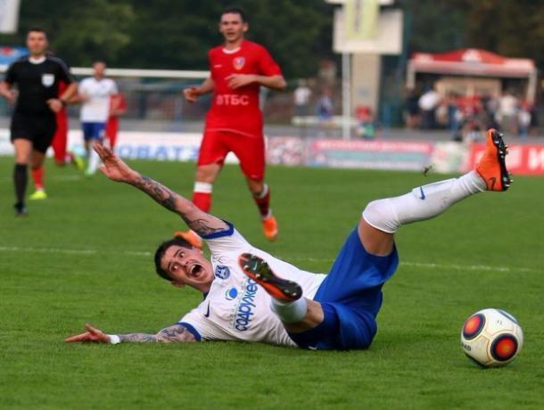 Тамбовские футболисты одержали волевую победу в Астрахани