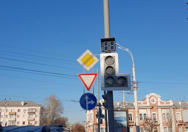 В Тамбове новый светофор. А нужен ли он?