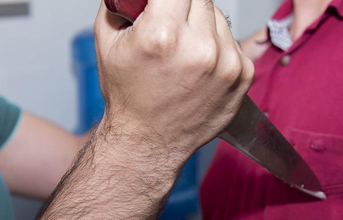 Ударом ножа в грудь убил жену житель поселка Маяк в пылу ссоры