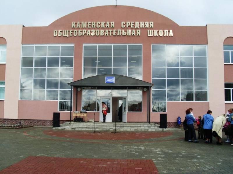 Протекающую 10 лет кровлю Ржаксинской школы отремонтируют в ближайшее время