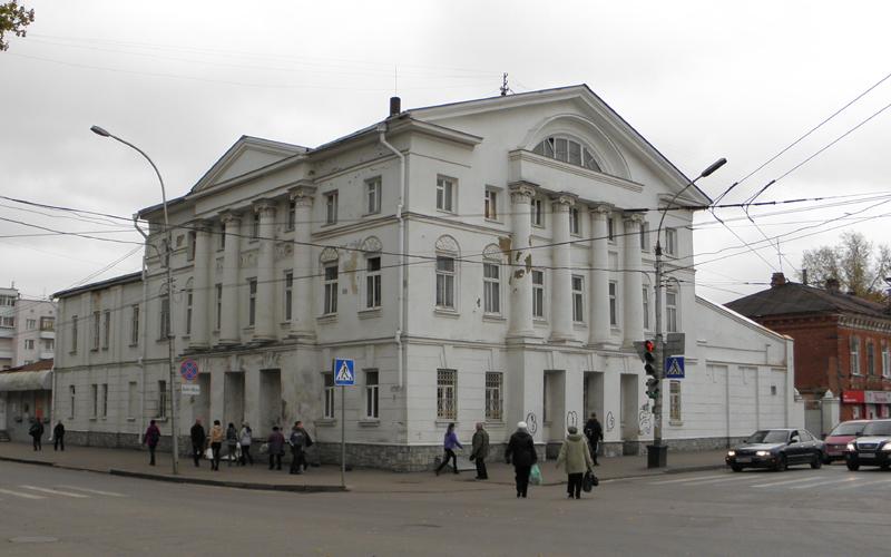 В Тамбове проводят реконструкцию здания бывшего хлебозавода