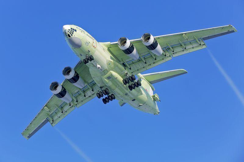 Новейший самолет Ил-78М-90А со сделанными в Моршанске топливными баками совершил первый полет