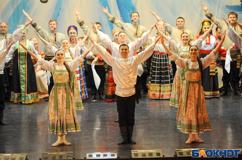 Вихрь народных танцев закружил поклонников «Ивушки»