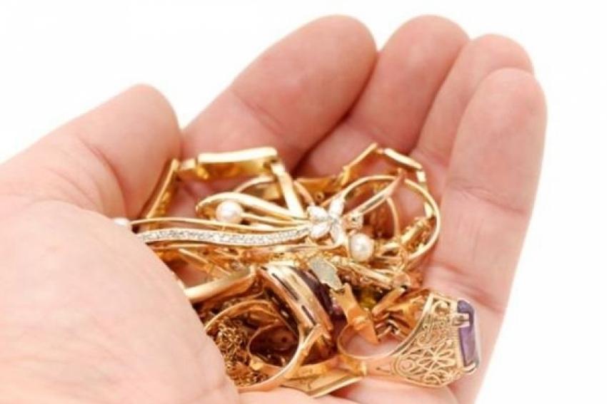 Тамбовчанин похитил усожительницы золотые украшения на100 000 руб.