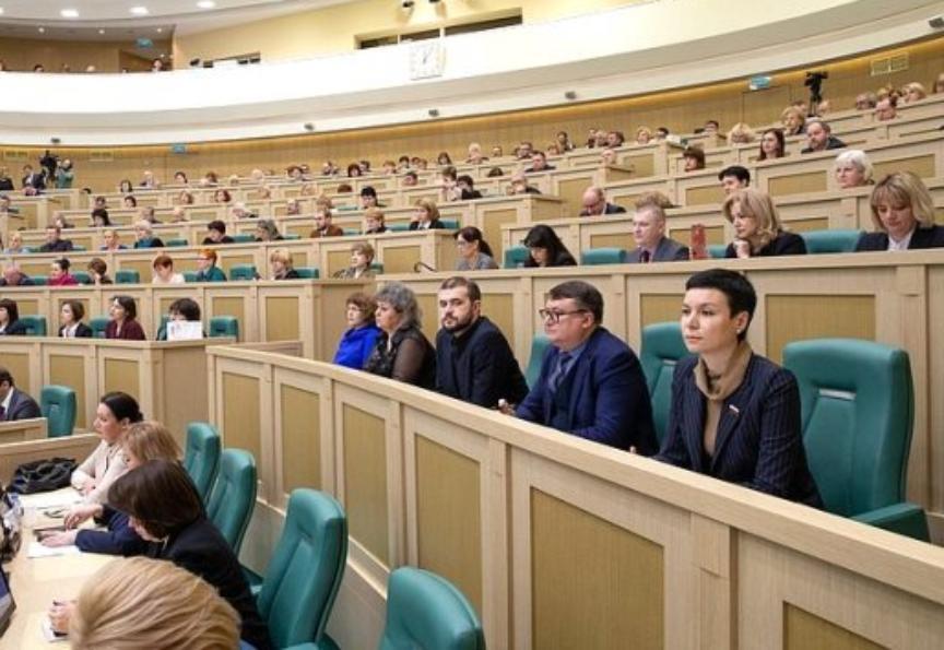 Тамбовские театралы в Совете Федерации обсудили проблемы детских театров