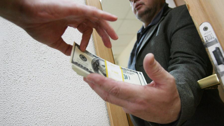 Экс-полицейский из Мичуринска стал обвиняемым, взяв 2 млн рублей взятки