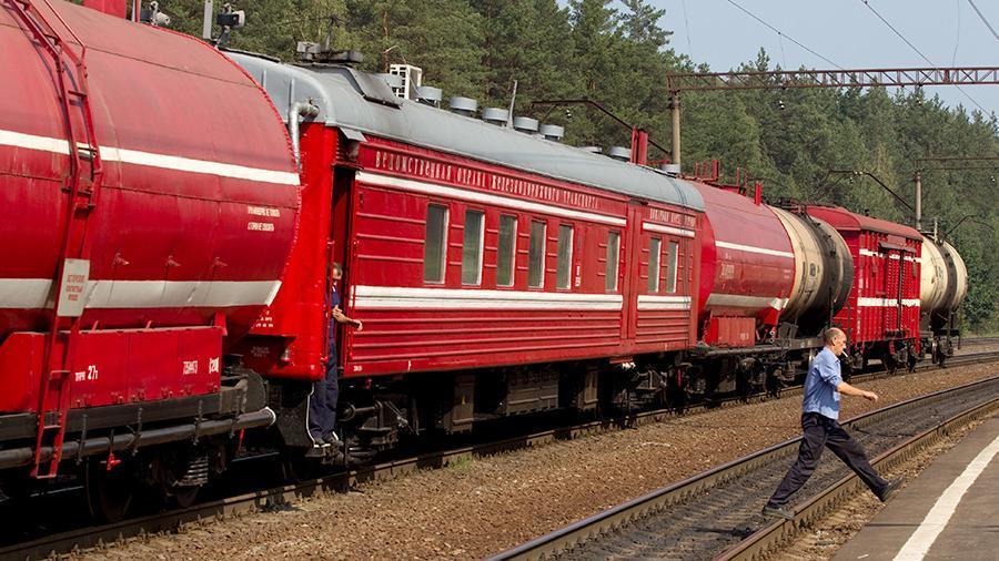 Загоревшийся под Тамбовом локомотив пассажирского поезда потушили