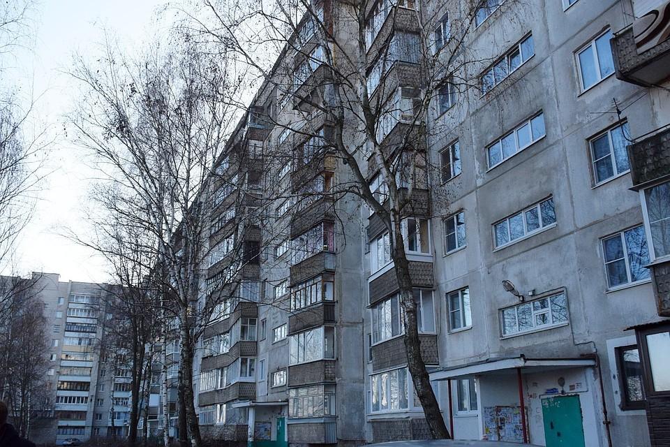 В Тамбове приступили к ремонту крыши дома на Рылеева, которая обрушилась летом