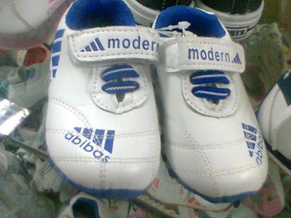 А «Adidas»-то не настоящий!» В тамбовском магазине торговали контрафактом