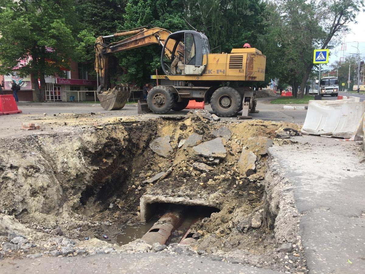 Изношенный «в хлам» участок трубопровода на Мичуринской заменят