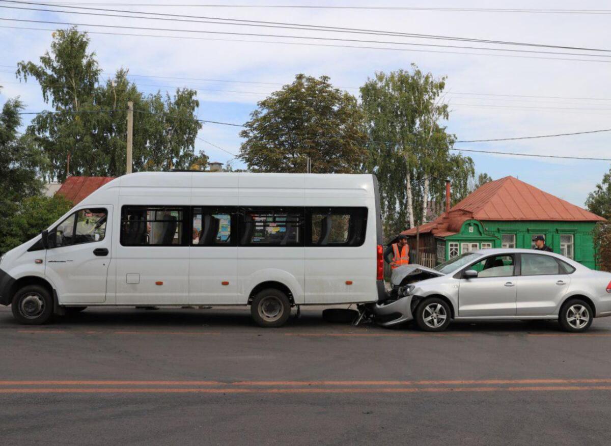 В ДТП с участием маршрутки на улице Делегатской пострадала 69-летняя женщина