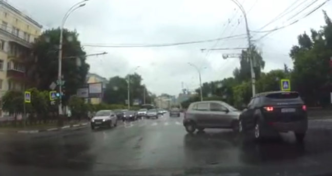Видео контакта Kia и Land Rover на Советской в Тамбове появилось в сети