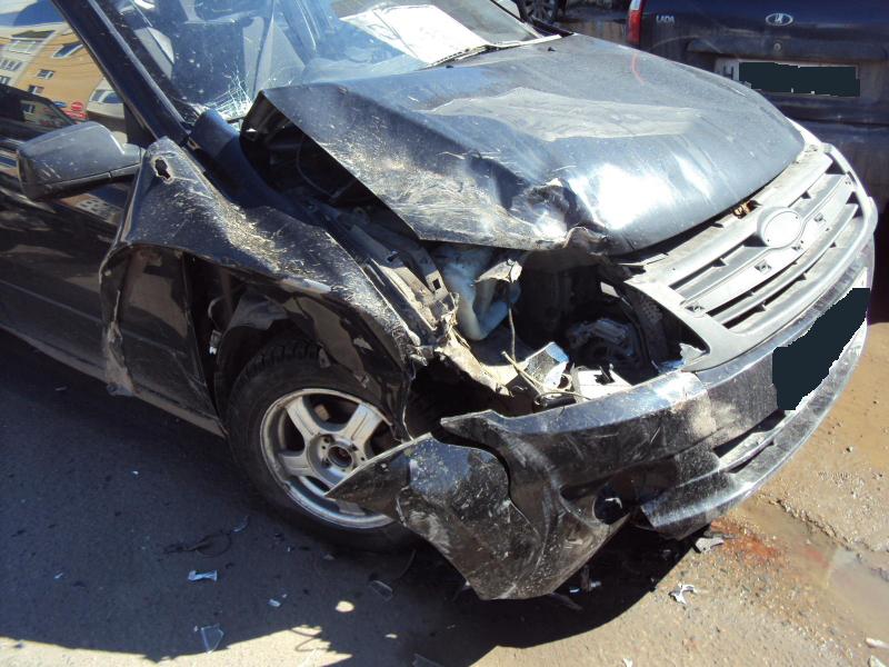 В столкновении двух легковушек на Интернациональной пострадали пассажиры