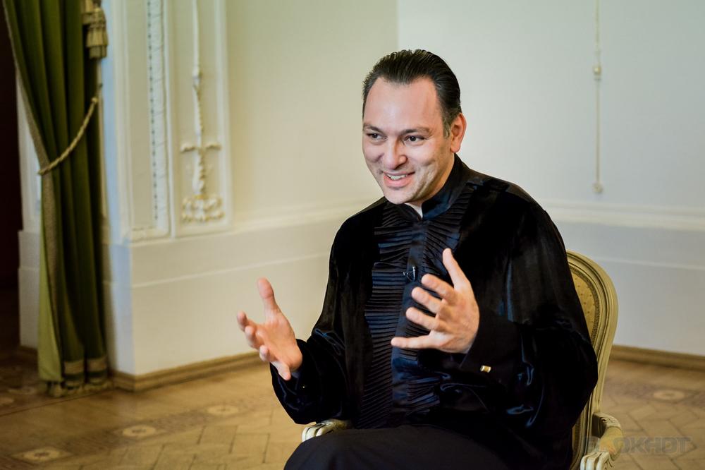 «Музыка - часть жизни, без которой обидно жить» Скрипач Карэн Шахгалдян  сыграл в залах Асеевского дворца