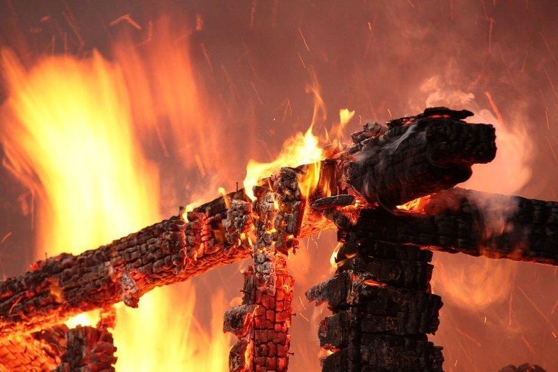 В Рассказово из-за пожара сгорел гроб с покойным