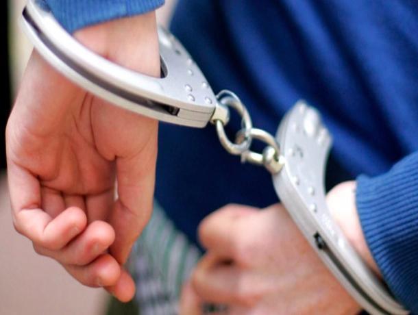 Моршанца, ограбившего почту, нашли в гостинице с путанами
