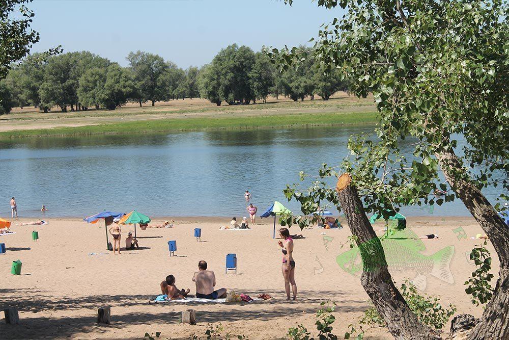 А лето все ближе. Пляжи областного центра готовят к сезону